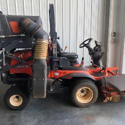 Kubota F3990 Front Deck Mower w/ Grass Hopper