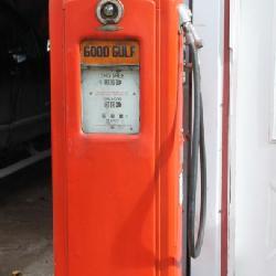 Bennett Gulf Gas pump #646 1000