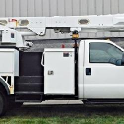 Ford F-550 Bucket Truck With Hoist