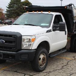 UM# 1124 2013 Ford F-350 2/3 Yard Dump w/ 36,532