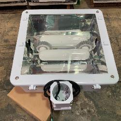 150W  Flood Light--White--MultiVolt-6500K