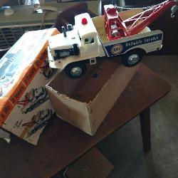 Vintage Toy Wrecker Truck