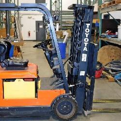 Toyota Forklift 15' Lift, 3000 Lb Capacity