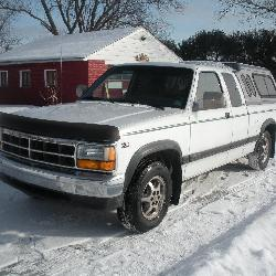1996 Dodge Dakota Ext Cab w/ Cap 3.9L Magnum V6