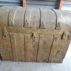 Antique domed and banded green steamer trunk w/ unique 3 compartment front section and original Victorian paper decoration 24x32x19