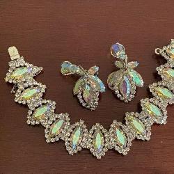 Weiss Necklace & Earrings