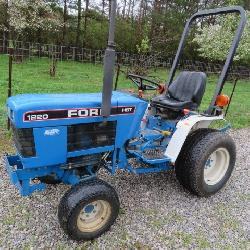 Ford 1220 HST 4wd tractor