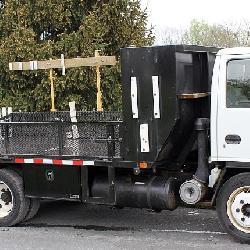 1999 Isuzu diesel landscape truck