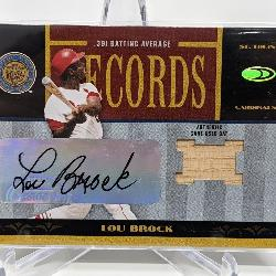 30/100 2004 Donruss Lou Brock Auto Relic
