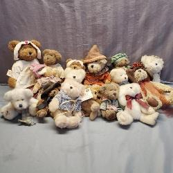 100's of Boyd's Bears