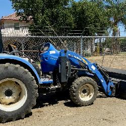 New Holland T 2330 Tractor w/Loader