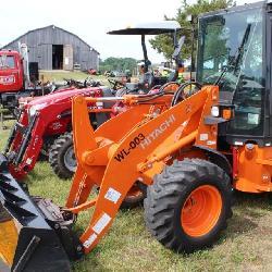 Hitachi Tractor Loader