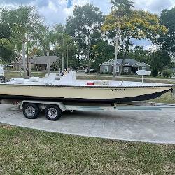 2012 24' Fin Chaser Bay Boat