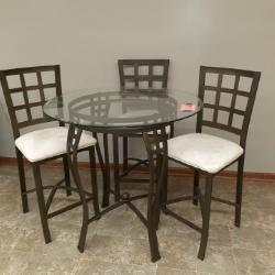 Hightop Table & Chairs