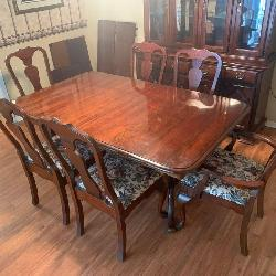High End Dinning Table
