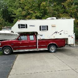 Ford truck - Pickup truck Camper