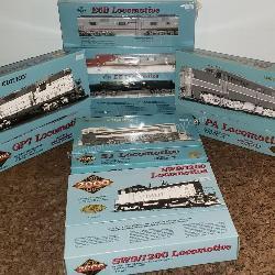 Group of 5 Proto 2000 Locomotives
