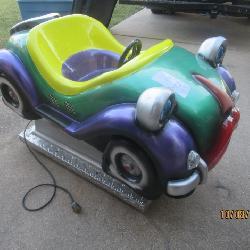 VINTAGE COIN OPERATED KIDDIE CAR