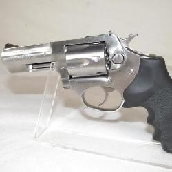 Ruger SP101 .32 H&R Mag Revolver with Hogue Grips
