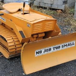 1967 Magnatrac/Struck Mini-Dozer with blade, Looks Great,