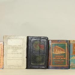 5236(1) 11 Book Coin Banks