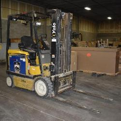 Yale Model: ERC050ZGN36TE084 36v Electric Fork Lift With 13106 Hours Comes With Battery Charger
