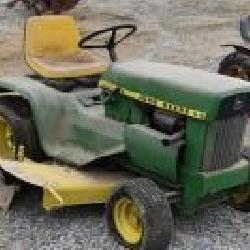 John Deere 112 Lawn Tractor