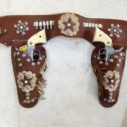 HOPALONG CASSIDY HOLSTER & CAP GUNS