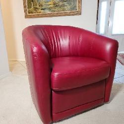 Natuzzi leather club chair