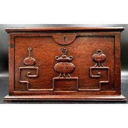 CHINESE ROSEWOOD BOX