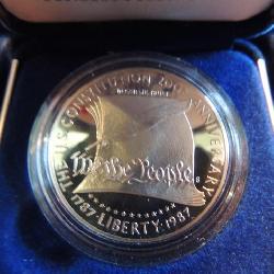 U.S. Constitution coins-1987 Silver Dollar in case & presentation box 200th Anniversary of Constitut