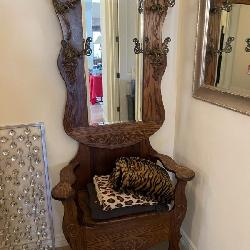 ANTIQUE HALL TREE CHAIR
