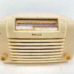 Vintage Philco Table Top Tube Radio