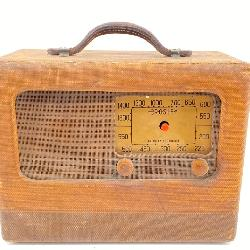 Vtg. Crosley American Broadcast Radio Model 52PA