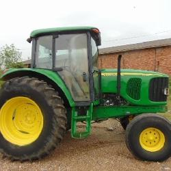 JOHN DEERE 6415 DIESEL FARM TRACTOR